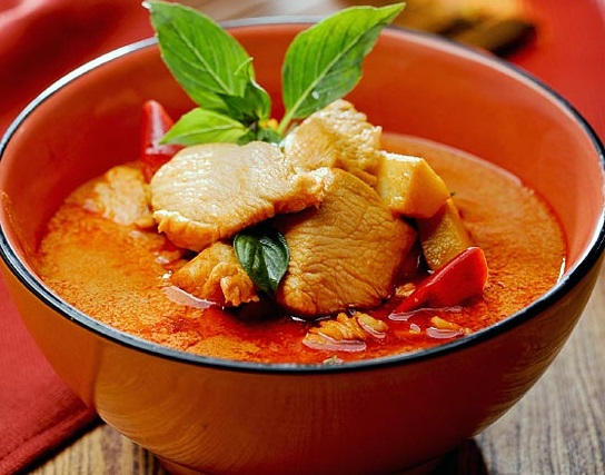 red-curry-chicken-550x560