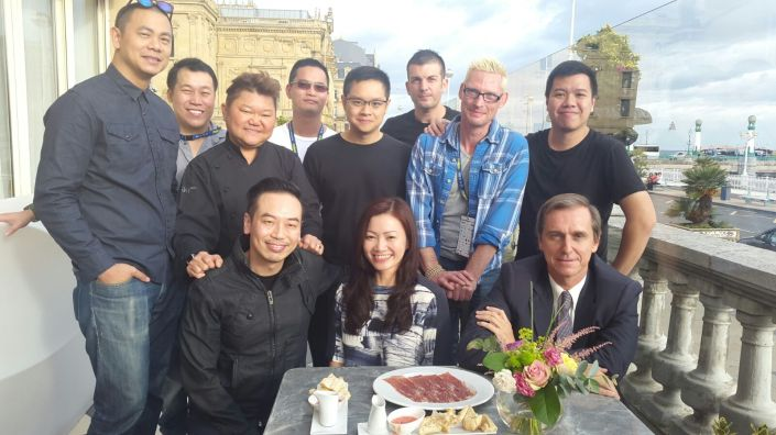 Singapore surprIses…Melissa Ow and Jorg Padrilla with chefs…Andre Chiang, Paul Liew, Justin Quek Jorge Padilla, Malcolm Lee, Pepe Moncayo, Emmanuel Stroobant, Han Li Guang Willin Low